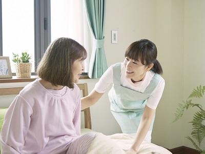 特別養護老人ホーム緑風園の介護職員